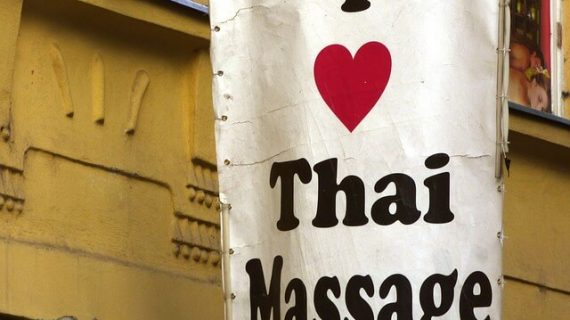 Pijat Tradisional Thailand (Thai Massage)